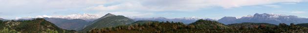 Panorámica de los montes y montañas del Pirineo. Huesca