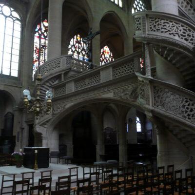 Interior de Saint Étienne du Mont
