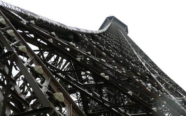 Detalle de la Torre Eiffel desde la planta 2