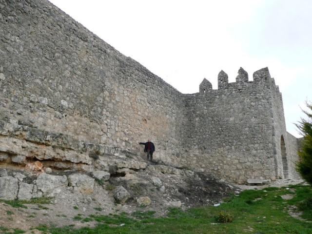 Vista exterior de la muralla de Urueña