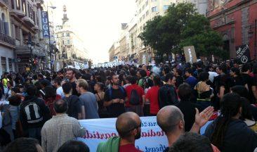 Manifetsación #15M, subiendo por calle Alcalá desde Plaza Cibeles