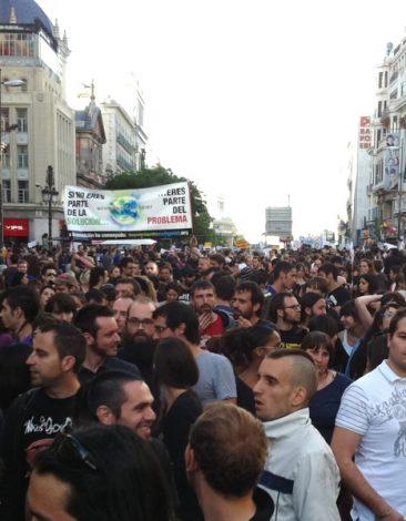 Manifetsación #15M, calle Alcalá con Sevilla