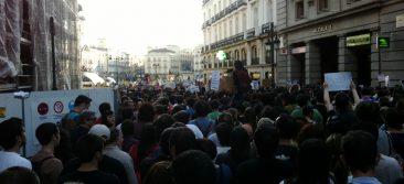 Manifetsación #15M, calle Alcalá entrando a Puerta del Sol