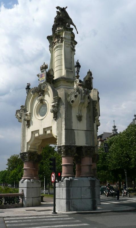 Farola monumental